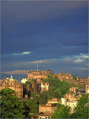 Edinburgh - © VisitBritain